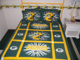 green bay packers pioneer motor inn green bay packers 2 queen beds with standard amenities prevnext