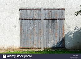 Wood Barn Doors by Old Wooden Barn Doors Farm Stock Photos U0026 Old Wooden Barn Doors