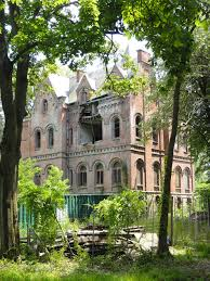 wyndcliffe is an abandoned mansion in the town of rhinebeck new