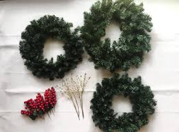 simple diy wreath boys and lattes