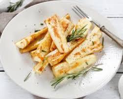 cuisiner du panais recette de panais poids plume au romarin rôtis au four