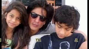 amitabh bachchan granddaughter with shahrukh khan son video