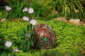 Gazing Globes Gazing Balls The Art Of Carol Shockley