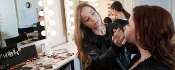 best makeup artist school best makeup artist schools in the world the world of make up