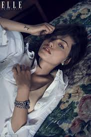 phoebe tonkin stars in sultry photo shoot for elle australia