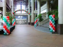 balloon delivery milwaukee wi balloon decorating services party balloons supplies