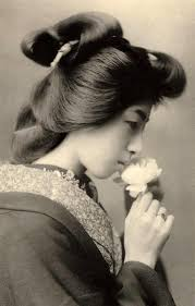 Geisha Hairstyles Silentcuriosity Geisha Japan Vintage Photo 1800 U0027s Black