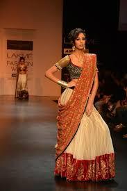 Different Ways Of Draping Dupatta On Lehenga 27 Dupattas How To Drape Your Desi Wedding Shaadi Bazaar