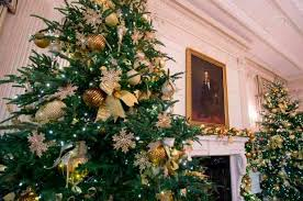 unveils decorations at the white house