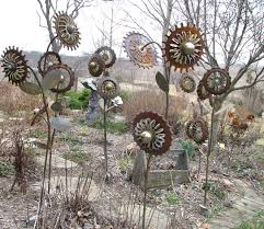 Garden Metal Art Upcycled U0026 Recycled Metal Creations Crafts Ideas Recycled Things
