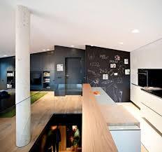 tafelfarbe küche farbe für küche küchenwand in kontrastfarbe streichen