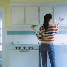 how to paint kitchen cabinets sprayer how to spray paint kitchen cabinets