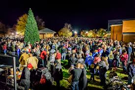 christmas tree lighting farmville virginia
