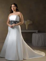 wedding dresses that you look slimmer how to look thinner on your wedding day weddingelation
