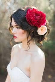 hair flower lindo peinado con llamativas flores para ocasiones especiales