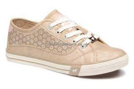 mustang shoes mustang shoes trainers the store has a variety of brand shoes