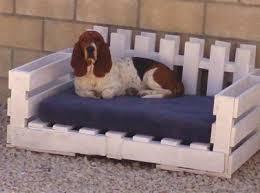 canapé lit palette lits pour chien en palette bois à réaliser soi même