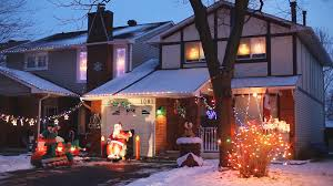 Homes Decorated For Christmas by North American Homes Decorated With Christmas Lights On The
