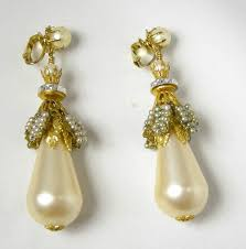 1970s earrings 49 vintage pearl drop earrings vintage marvella clip pearl
