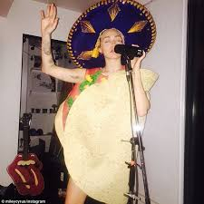 Taco Costume Miley Cyrus Dresses Up Like A Taco And Sings After Her Big