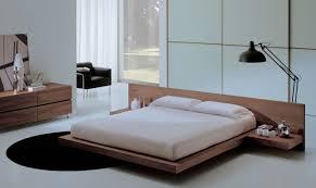 lit chambre adulte chambre à coucher déco chambre adulte tapis rond noir grand lit