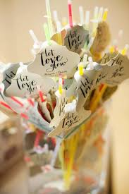 inexpensive wedding favors 10 wedding favors 1 cheap wedding here comes the guide