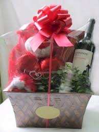 valentines baskets s day gift baskets classique gift baskets hers