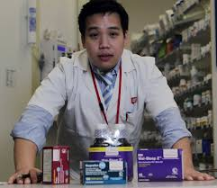 Walgreen Pharmacy Tech Juggling Several Drugs Carries Risk Houston Chronicle