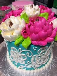 White Flower Cake Shoppe - buttercream pom pom piping technique by the white flower cake