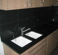 cuisine marbre noir les cuisines et plans en sur mesure en bleue et
