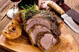 cuisiner epaule agneau gigot d agneau en croûte d herbes recette facile