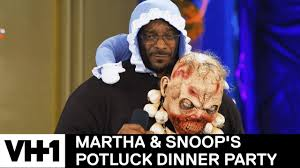 Potluck Meme - snoop dogg martha stewart have a wrap battle martha snoop s