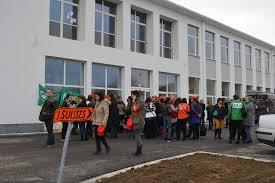 siege 3 suisses galerie de photos en images manifestation devant le siège de 3