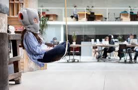 sieste au bureau l oreiller pour la sieste au bureau byothe