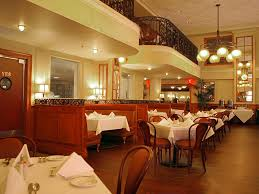 restaurants open on thanksgiving in new orleans new orleans hotels french quarter crowne plaza at bourbon ihg