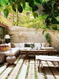 Mediterrane Huser Moderne Möbel Und Dekoration Ideen Margeriten Im Garten