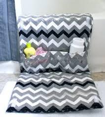Bathtub Mat For Babies Diy Bath Mat With Pockets Allfreesewing Com