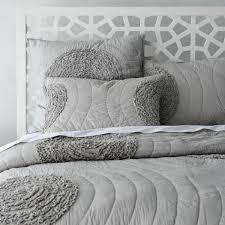comment agrandir sa chambre agréable comment agrandir sa chambre 5 le couvre lit boutis en 75