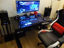 Kickstarter Gaming Desk Building The Lian Li Dk 04x Gaming Desk Tom S Hardware