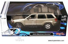 jeep cherokee toy 2005 jeep grand cherokee 31119kh 1 18 scale maisto special edition