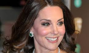 kate middleton diamond earrings kate middleton s bafta 2018 diamond and emerald earrings are so clever