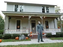 north carolina couple builds replica of michael myers halloween