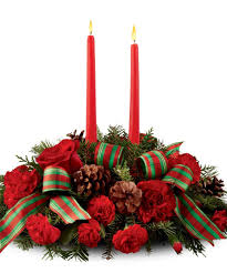 red roses pine cones christmas centerpieces