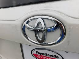 toyota stock symbol 2017 new toyota highlander le v6 fwd at toyota of fayetteville