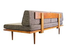 Mid Century Modern Furniture Sofa Best 25 Modern Daybed Ideas On Pinterest Daybed Modern Sofa