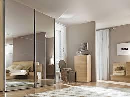 porte de placard chambre comment aménager un placard décoration