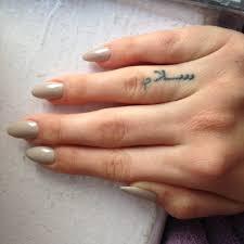 finger tattoo peace essie sand tropez claw nails arabic tattoo arabic finger tattoo