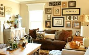 Decorative Wall Decor Ideas For fortable Family Room Design