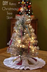 brown christmas tree skirt diy retro christmas tree skirt ilovetocreate