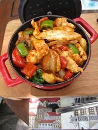cuisine a base de poulet plat à base de poulet photo de green corner cafe and restaurant